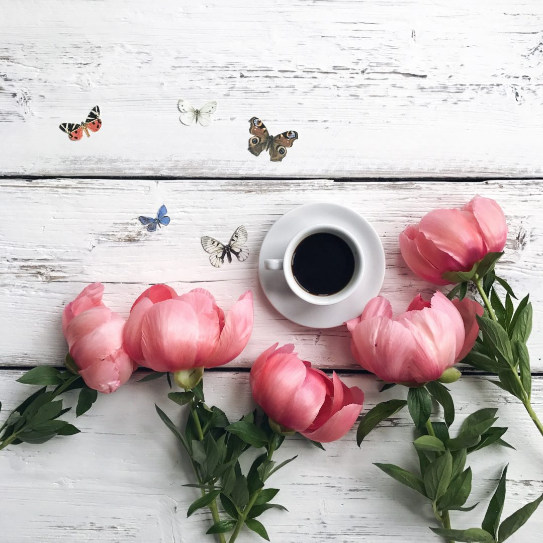 Peonies and coffee Instagram clichés